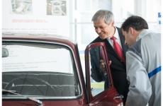 Dacian Cioloş uzinele Dacia