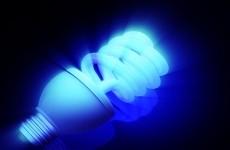 lumina albastra