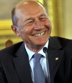 Traian Băsescu: 'S-a întors lumea cu fundul în sus, ambasadorii ceartă România'