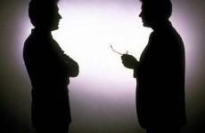 informatori servicii umbra negocieri