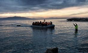 barca refugiaţi