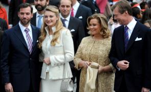 A.A.L.L.R.R. Marele Duce de Luxemburg și Marea Ducesă (dreapta) si Marele Cuplu Ducal Mostenitor (stanga)