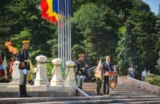 Klaus Iohannis parcul carol monument
