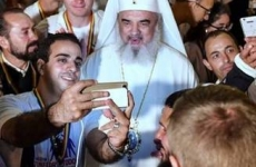 Patriarhul Daniel selfie