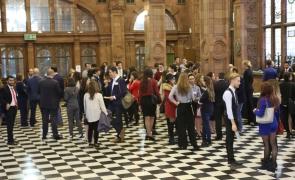 conferinta studenti romani