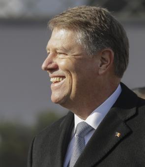 Klaus Iohannis a promulgat legea care îl vizează pe el, Liviu Dragnea, Călin Popescu Tăriceanu și pe foștii președinți ai României