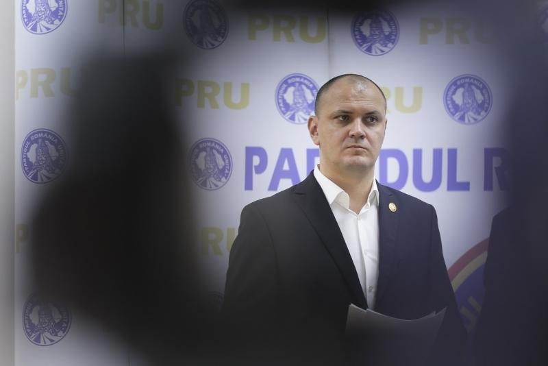 Thumbnail for Dezvăluiri din sala de judecată: Ce spune familia despre fuga patronului RTV