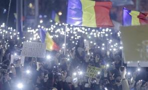 Inquam protest lumini tricolor