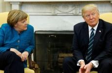 Trump dont shake Merkel