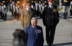 Inquam Prințul Charles depunere de coroană