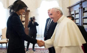 Melania Trump Papa Francisc