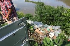 gunoi aruncat in Olt