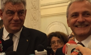 Mihai Tudose, Liviu Dragnea râde
