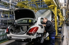 fabrica masini mercedes