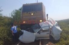 accident tren mașină
