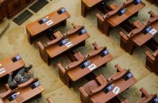 Parlament gol