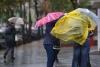 ploaie vant umbrele pelerina