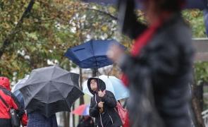 ploaie umbrela vant copil