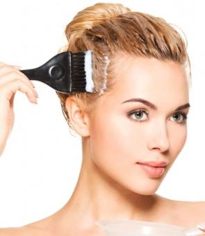 Avertisment dur al medicilor: Căderea părului poate ascunde boli GRAVE