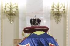 Inquam sicriu coroana regele mihai