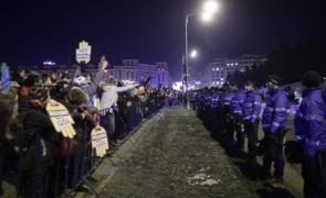 Inquam jandarmi protestatari proteste Palatul Parlamentului