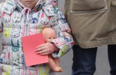 protest mame copii Piața Victoriei 18 feb 2018