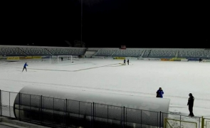 zăpadă stadion fotbal Iași