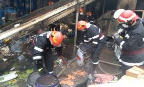 pompieri incendiu hala