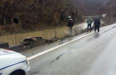 accident Vâlcea masina cazuta în Olt