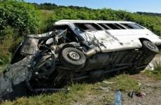 autocar răsturnat