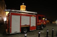 pompieri la biserica