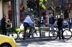 Iohannis bicicletă Calea Victoriei