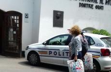 politia la muzeul satului