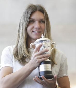 Simona Halep trofeu