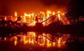 incendiu California