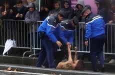 femen paris donald trump
