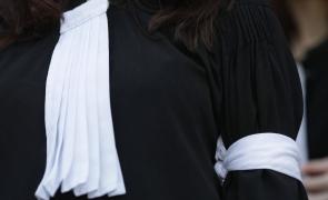 avocat banderola protest