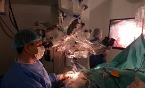 operatie doctori spital
