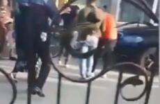 Polițistă însărcinată lovită