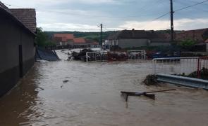 inundații