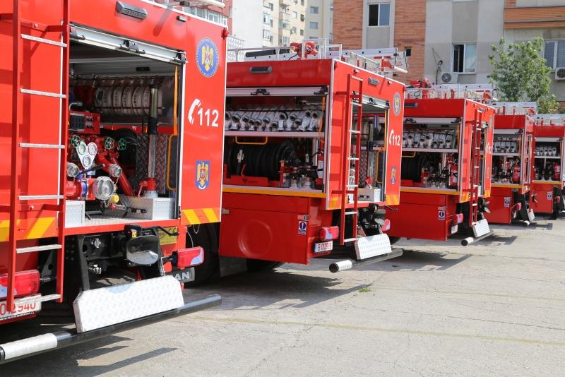 adidași cel mai bun ieftin cauta Incendiul la fabrica de saltele din Urlaţi a fost lichidat - Stiri ...