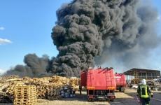 incendiu depozit bihor pompieri