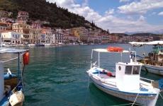 Peloponnesse Gytio port mare turism grecia