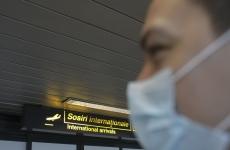 coronavirus masca aeroport
