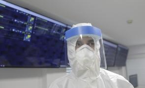 coronavirus medic masca