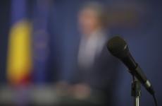 guvernul romaniei microfon