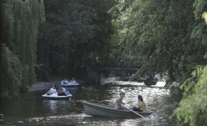 parc barci barcute lac cismigiu