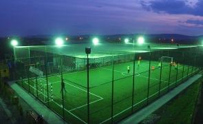 fotbal teren sintetic