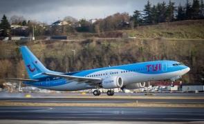 avion TUI turism