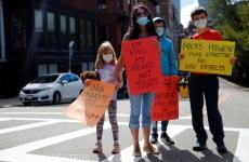 sua proteste masca